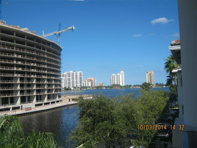 Main picture of House for rent in Aventura, FL